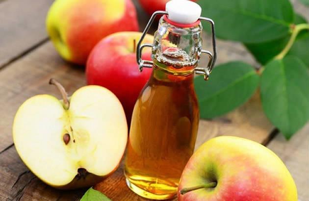Giấm táo là cách xóa mờ vết thâm sau mụn hiệu quả